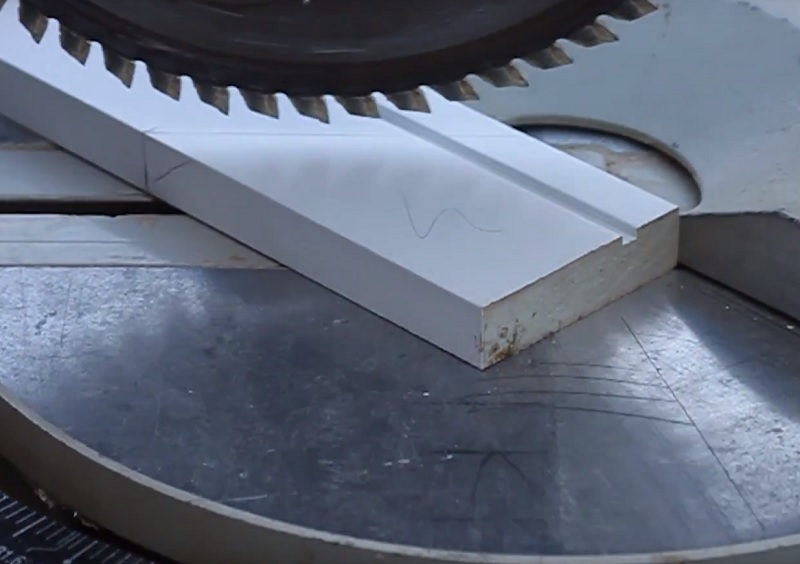 cutting archi with mitre saw