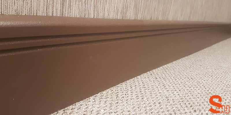 brown modern skirting board