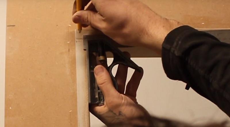 marking 5mm bevel outside door frame for architrave