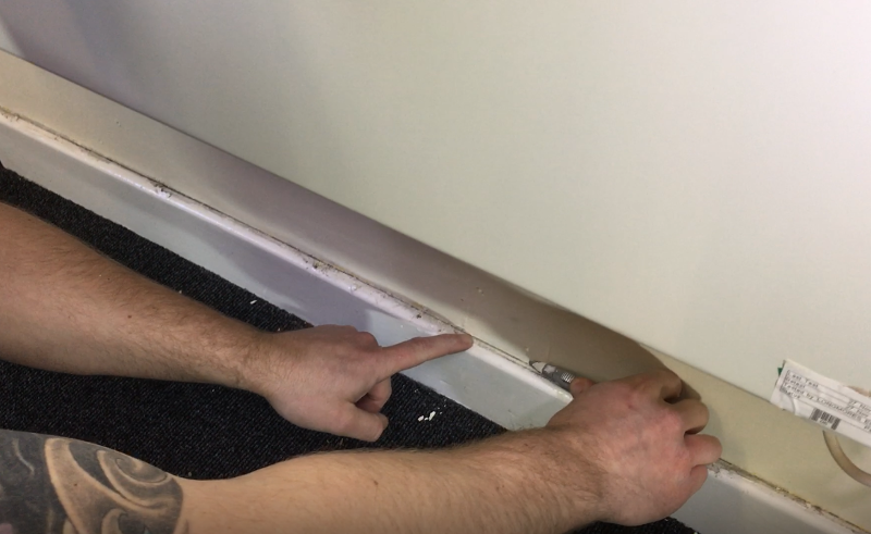 Cutting skirting board sealant