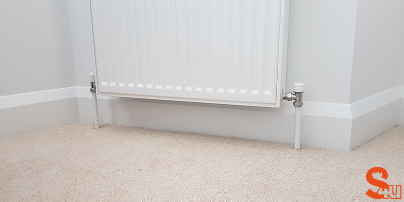white modern skirting board