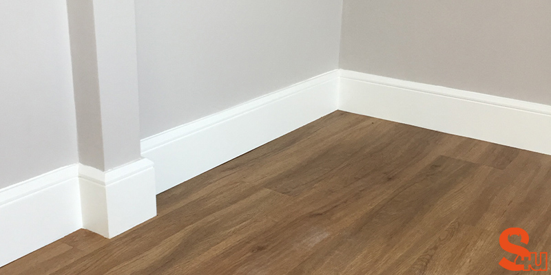 white-edge-groove-skirting-board