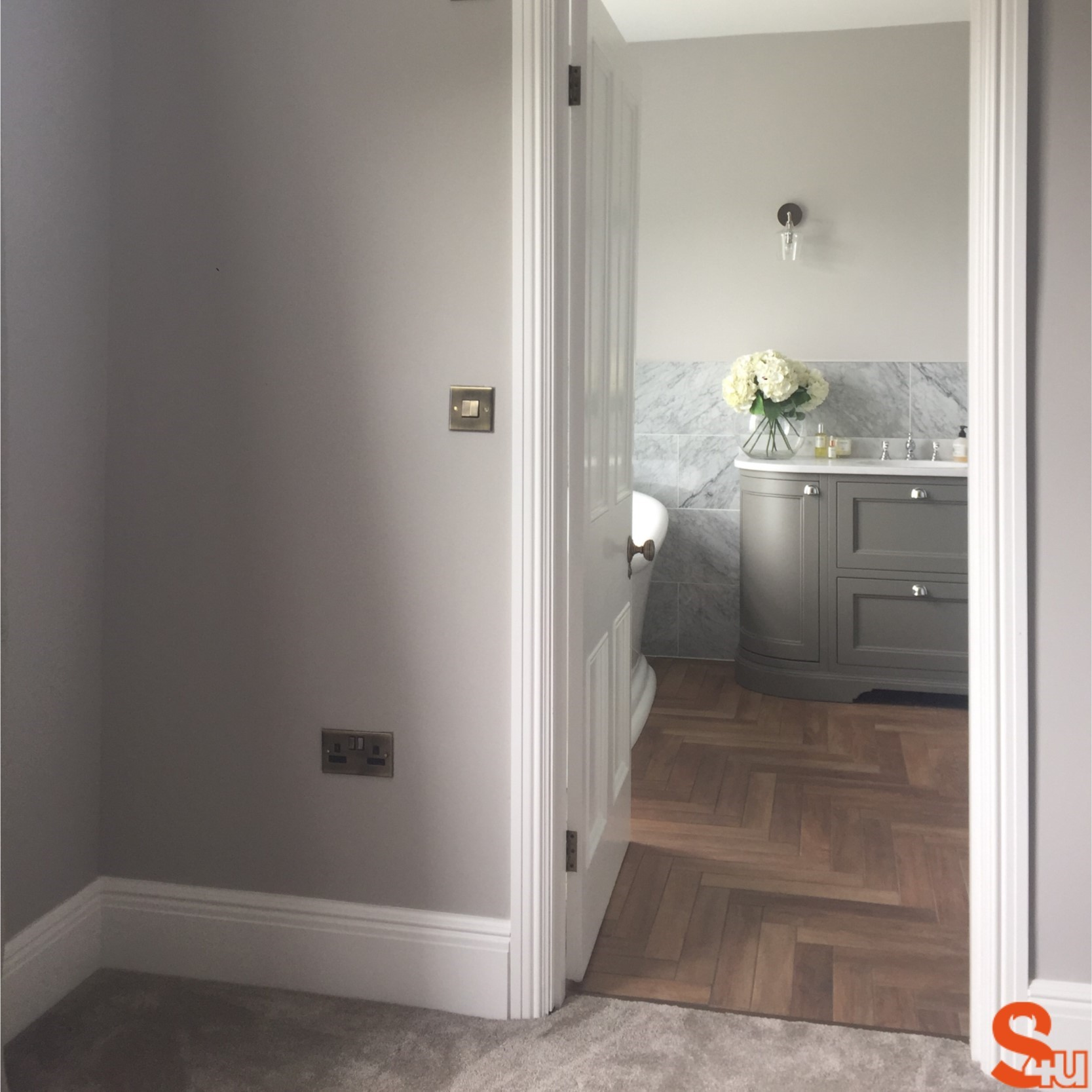 Georgian architrave and skirting boards