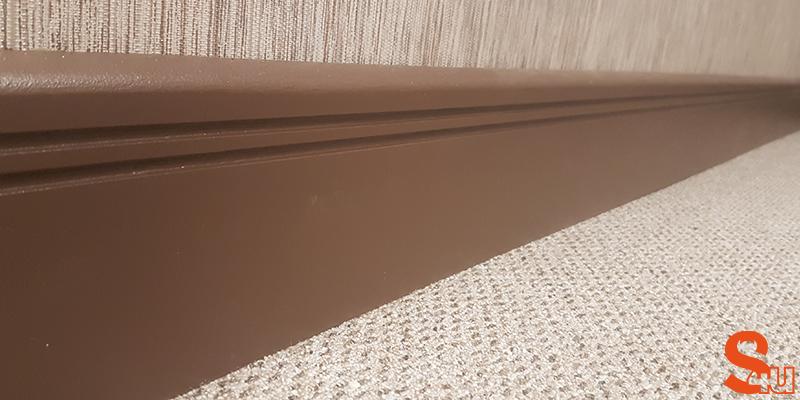 brown modern skirting board