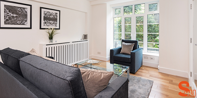 contemporary skirting boards room view
