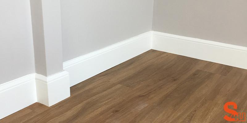 white-edge-groove-skirting-board